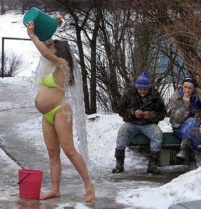 Pregnant-Bikini-Ice-Bathing.jpg